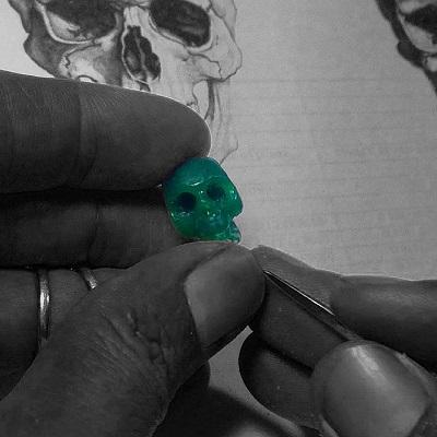 skull wax bead