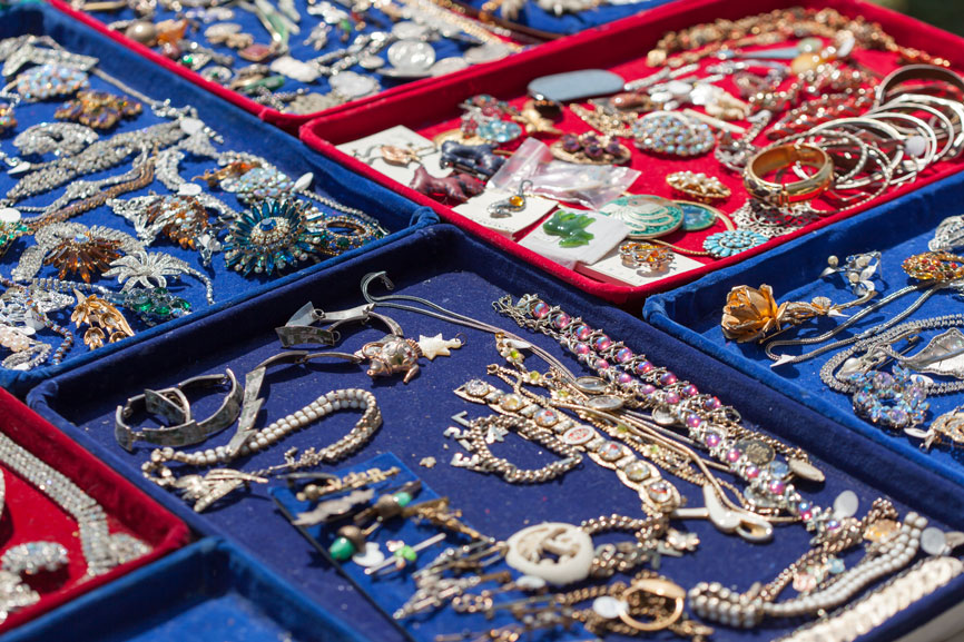 bracelets tray